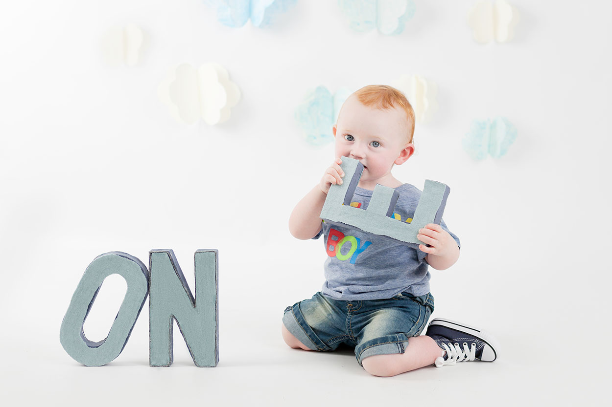 Matthew-cake-smash-boy-first-birthday-photos-photographer-dublin