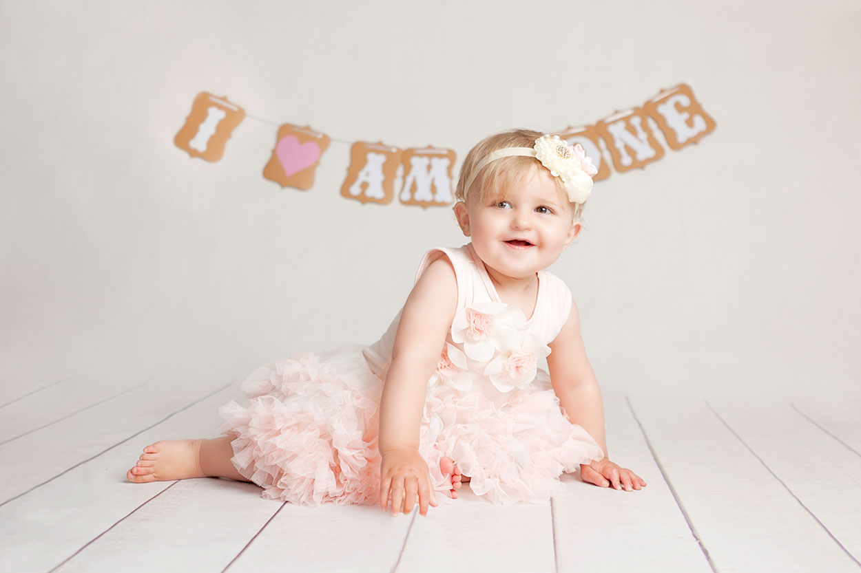 First birthday Cake smash photos in Dublin studio are the best fun ...