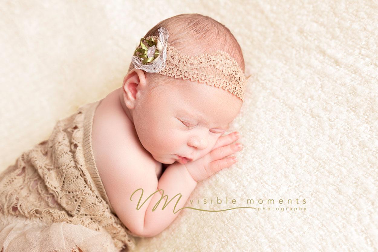 olivia-14-days-new-baby-photographer-dublin