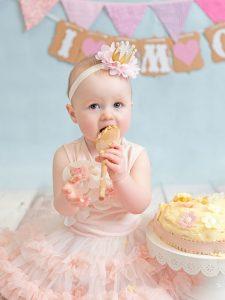 girl cake smash first birthday photos dublin photographer