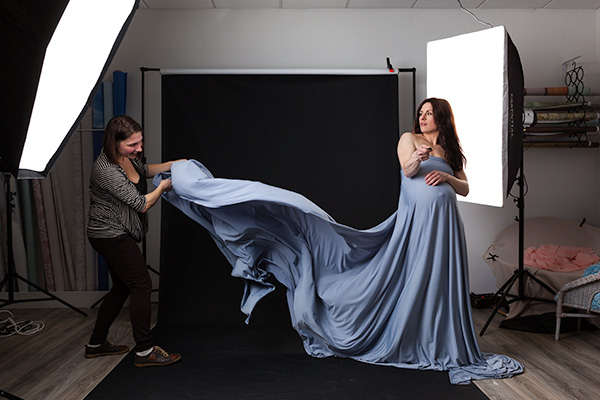 maternity photos behind the scenes